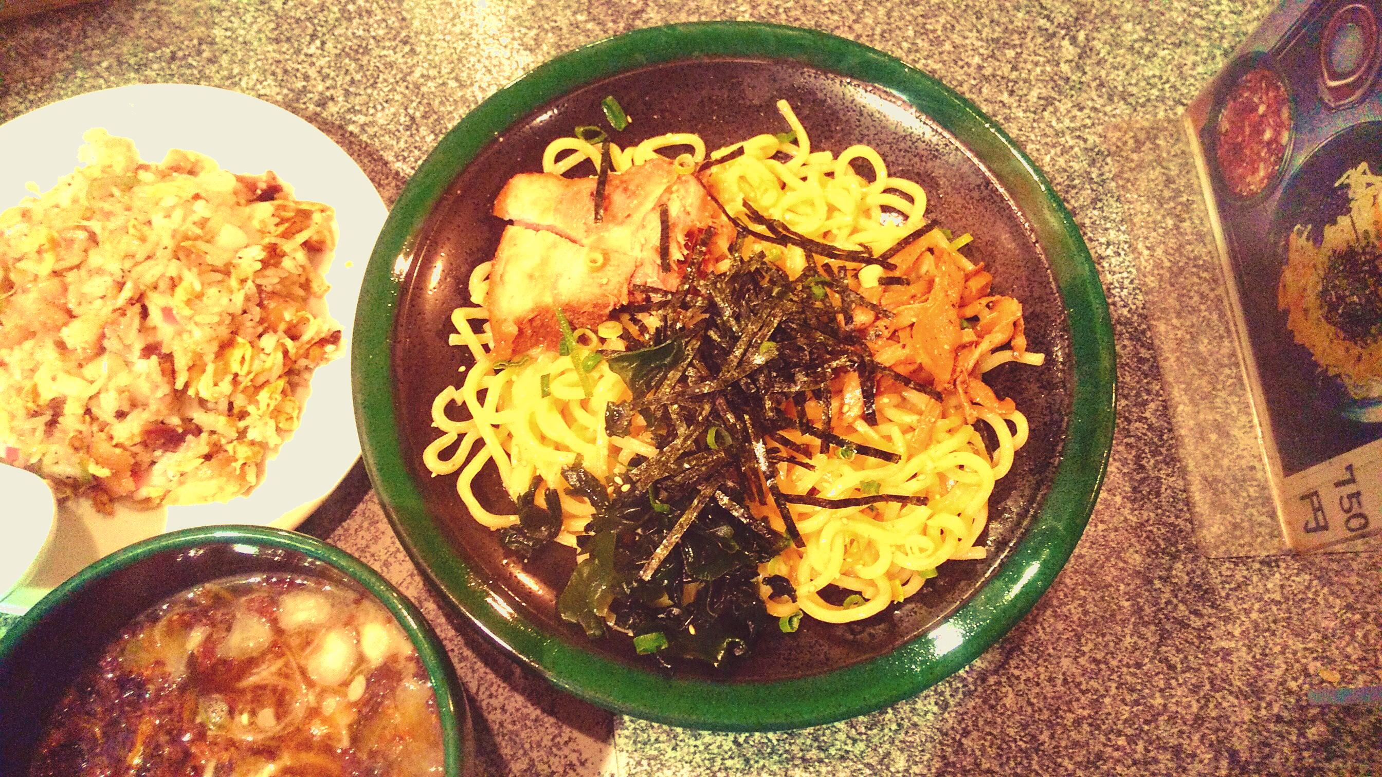 あぶら〜亭のつけ麺の麺皿の写真