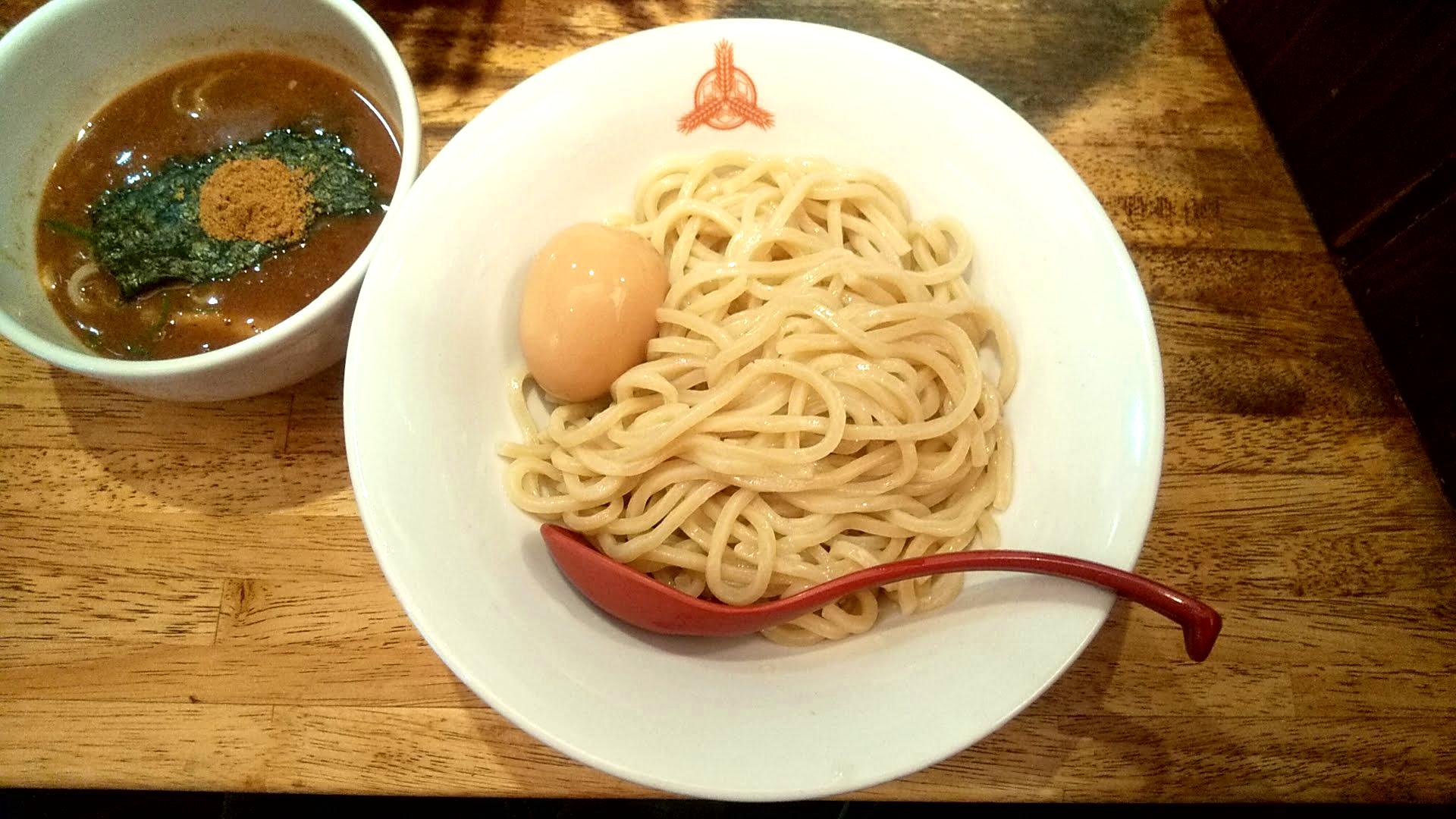 三田製麺所の朝つけ麺の麺皿の写真