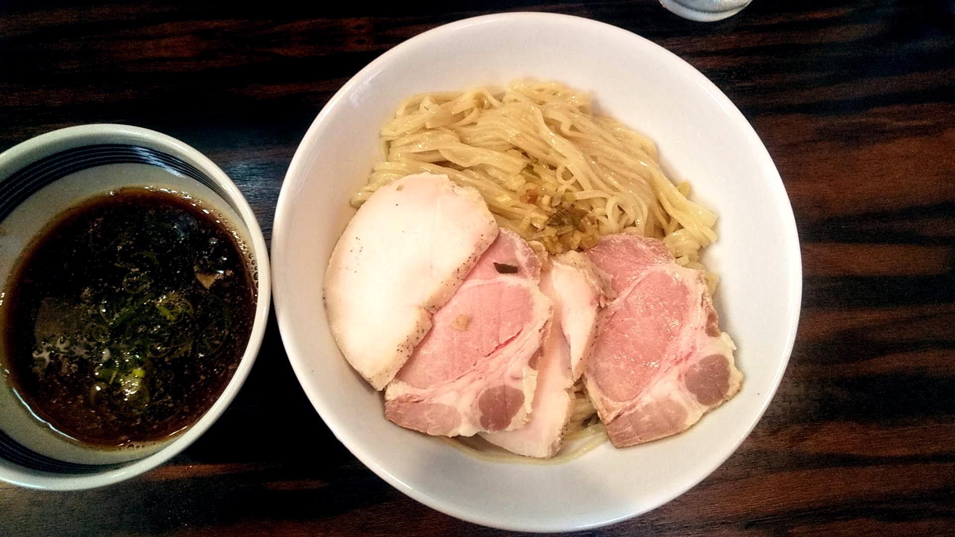 中華そば梟の麺皿の写真