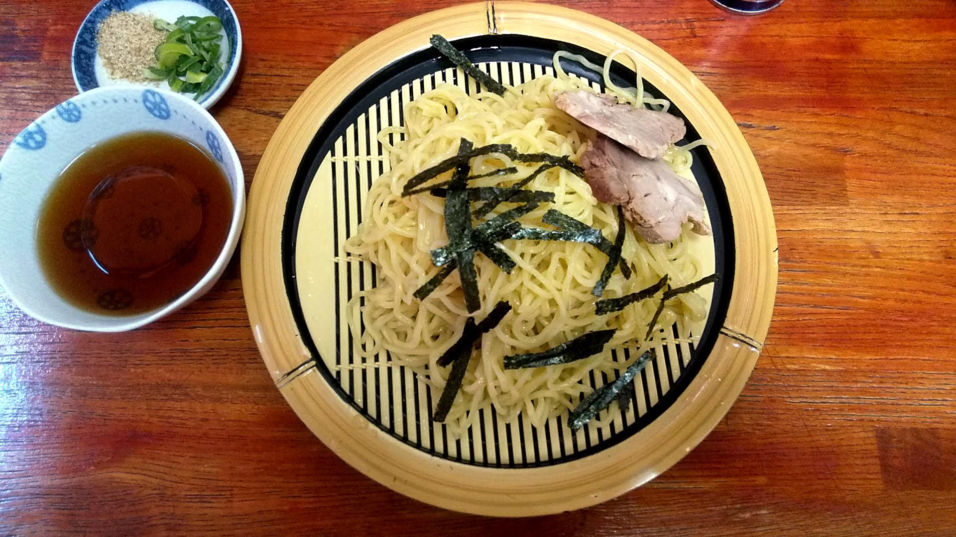 関取ラーメン竜軒のざる中華の麺皿の写真