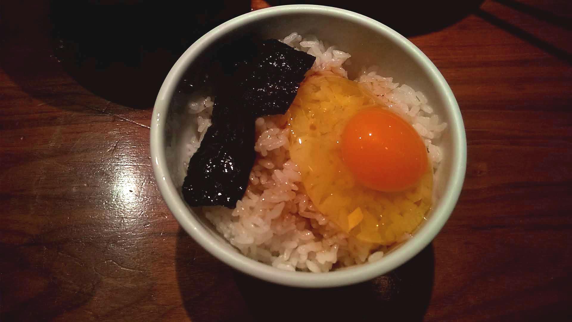 つじ田新橋店の卵かけご飯の写真