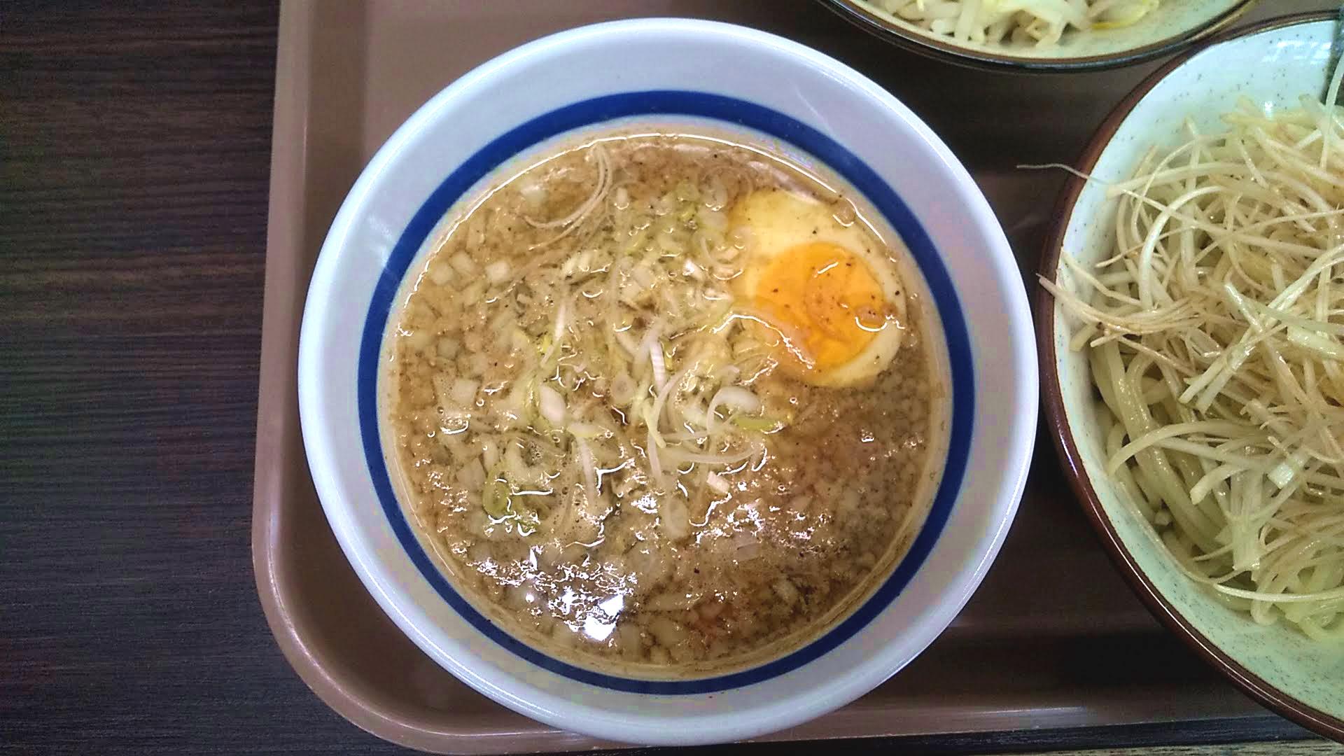 金町角ふじのつけ麺のつけ汁の写真