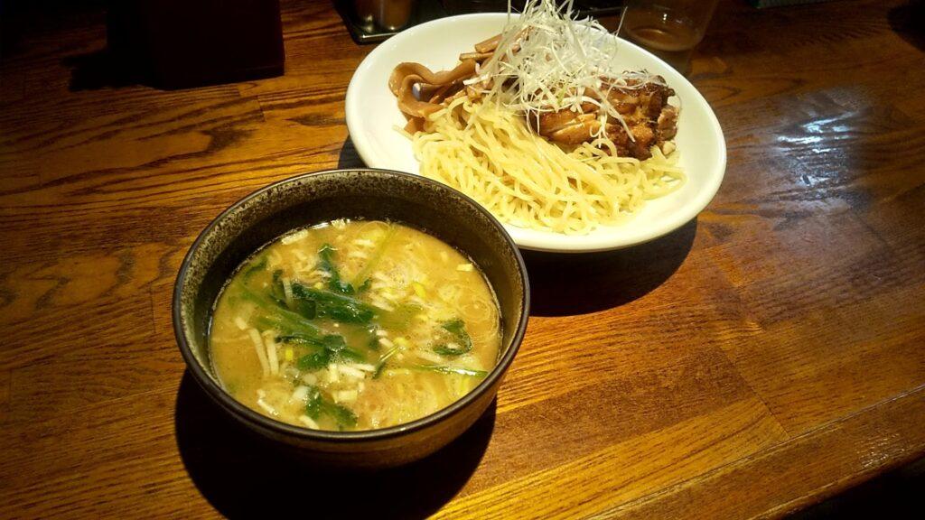 麺処鳴神のつけ麺の写真