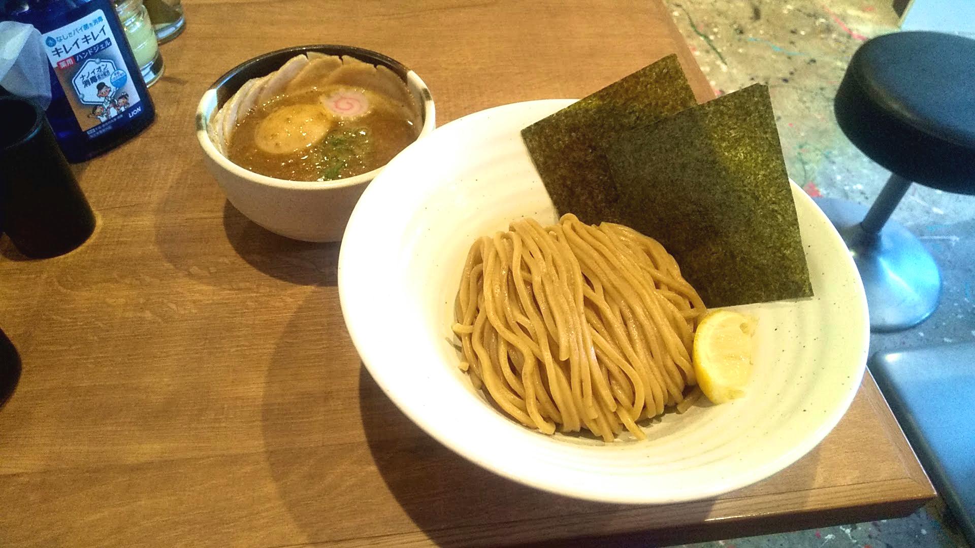 つけ麺まぜそば大やまの特製濃厚魚介豚骨つけ麺の写真