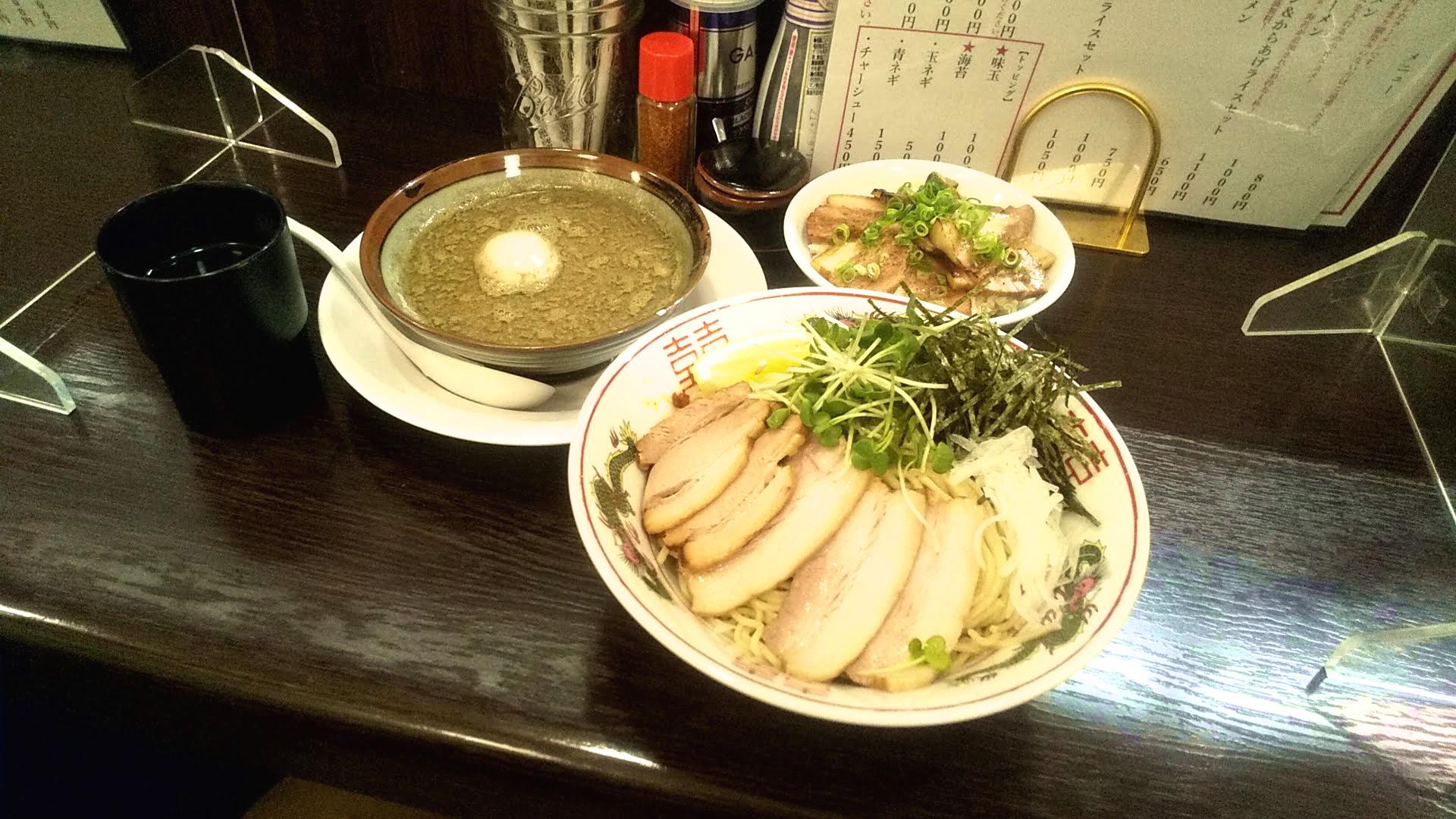 浅草参食堂の特製つけ麺の写真