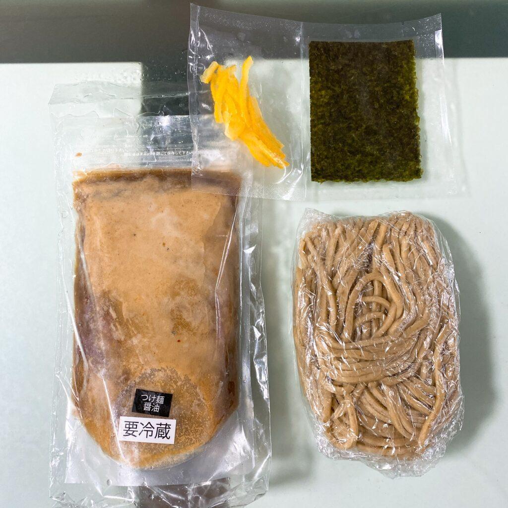 笹の宅麺の中身