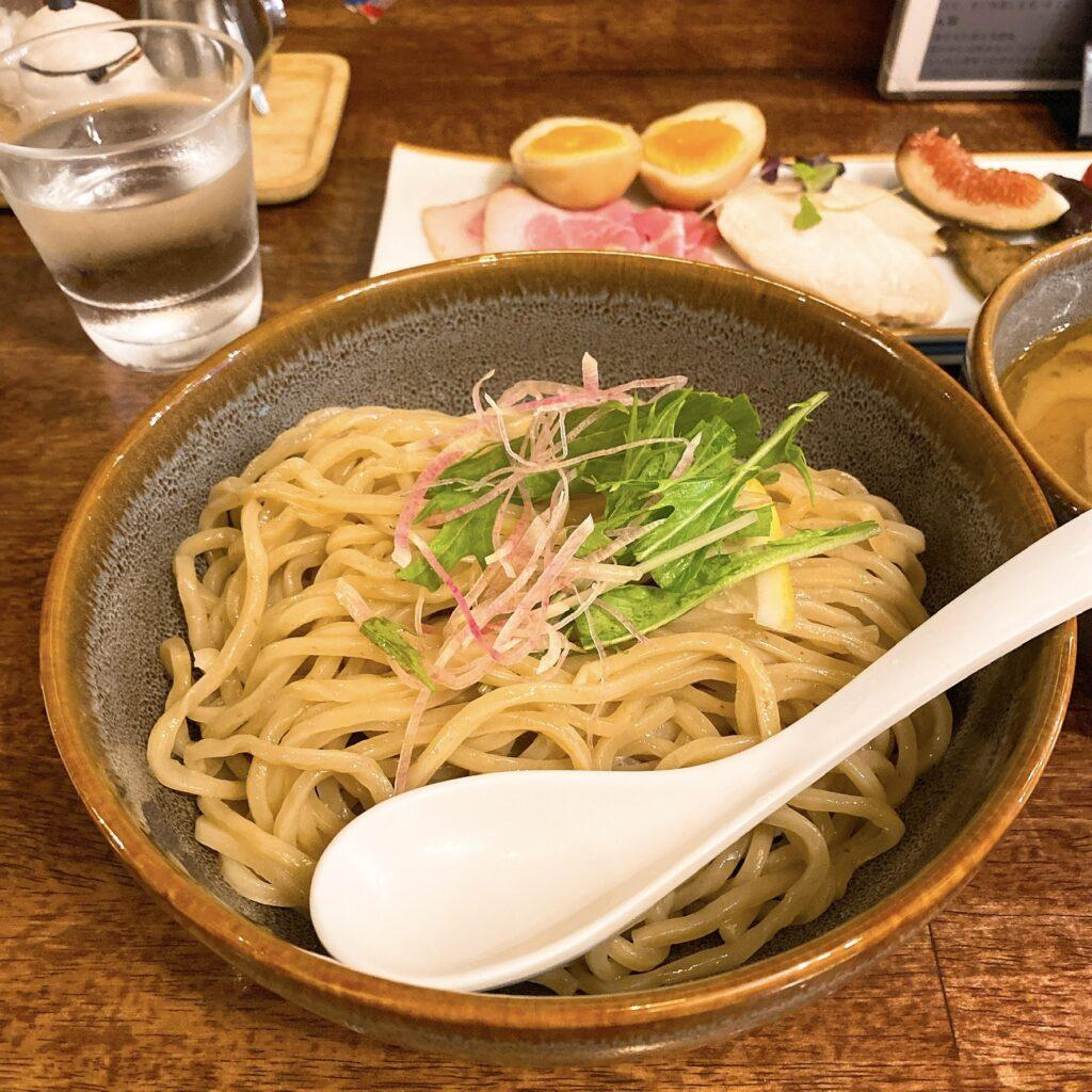海老丸らーめんの麺