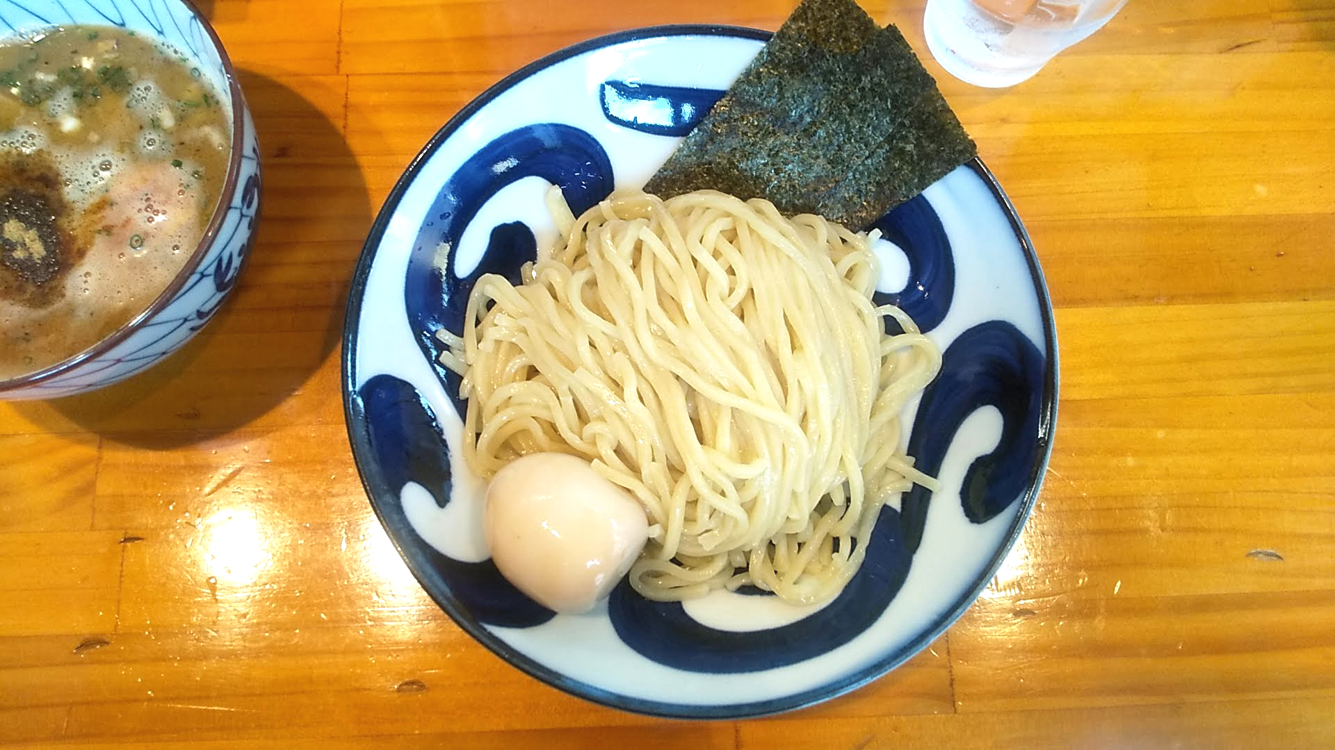 麺屋清のつけ麺の麺皿の写真