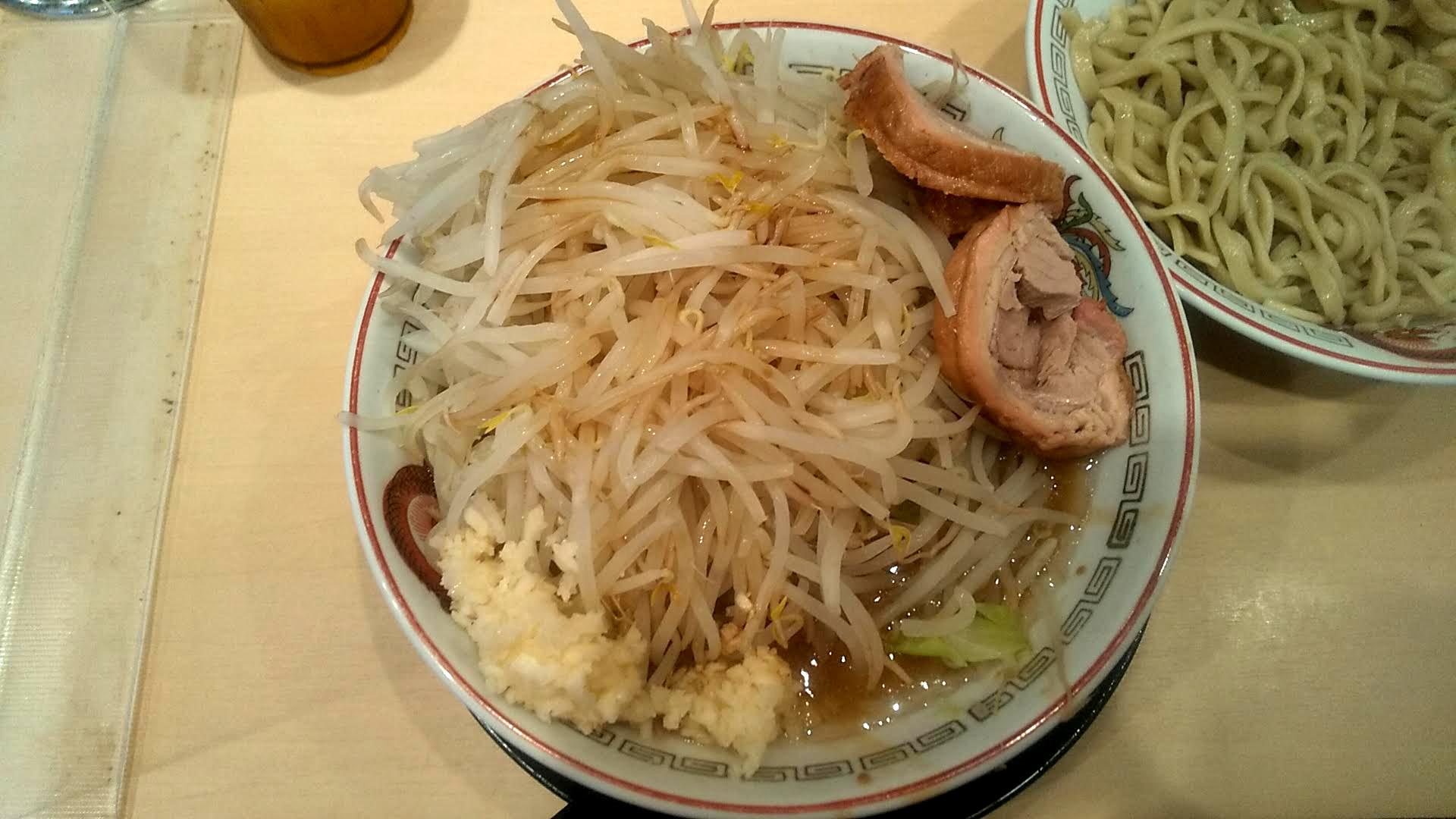 ラーメン豚山のつけ麺(小)のつけ汁の写真