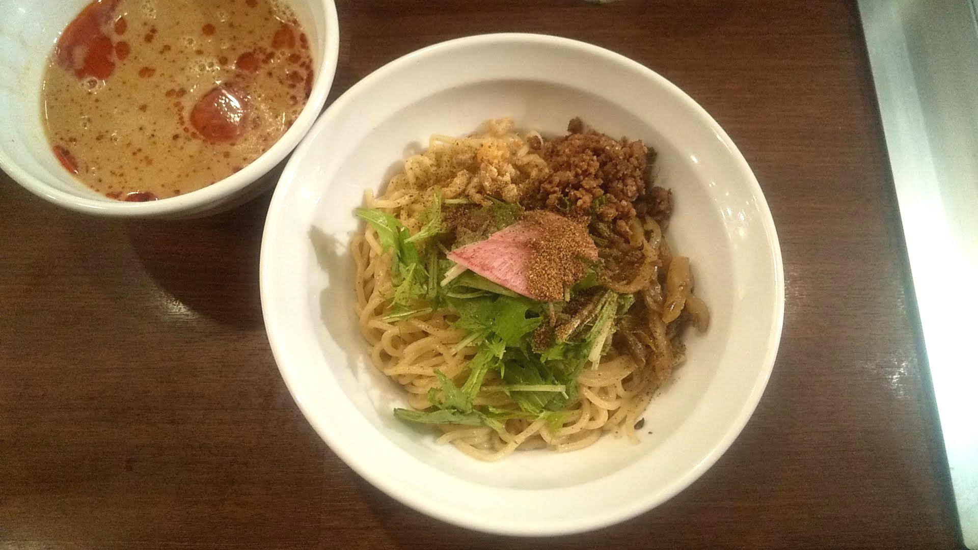 Xingfuの坦々つけ麺の麺皿の写真