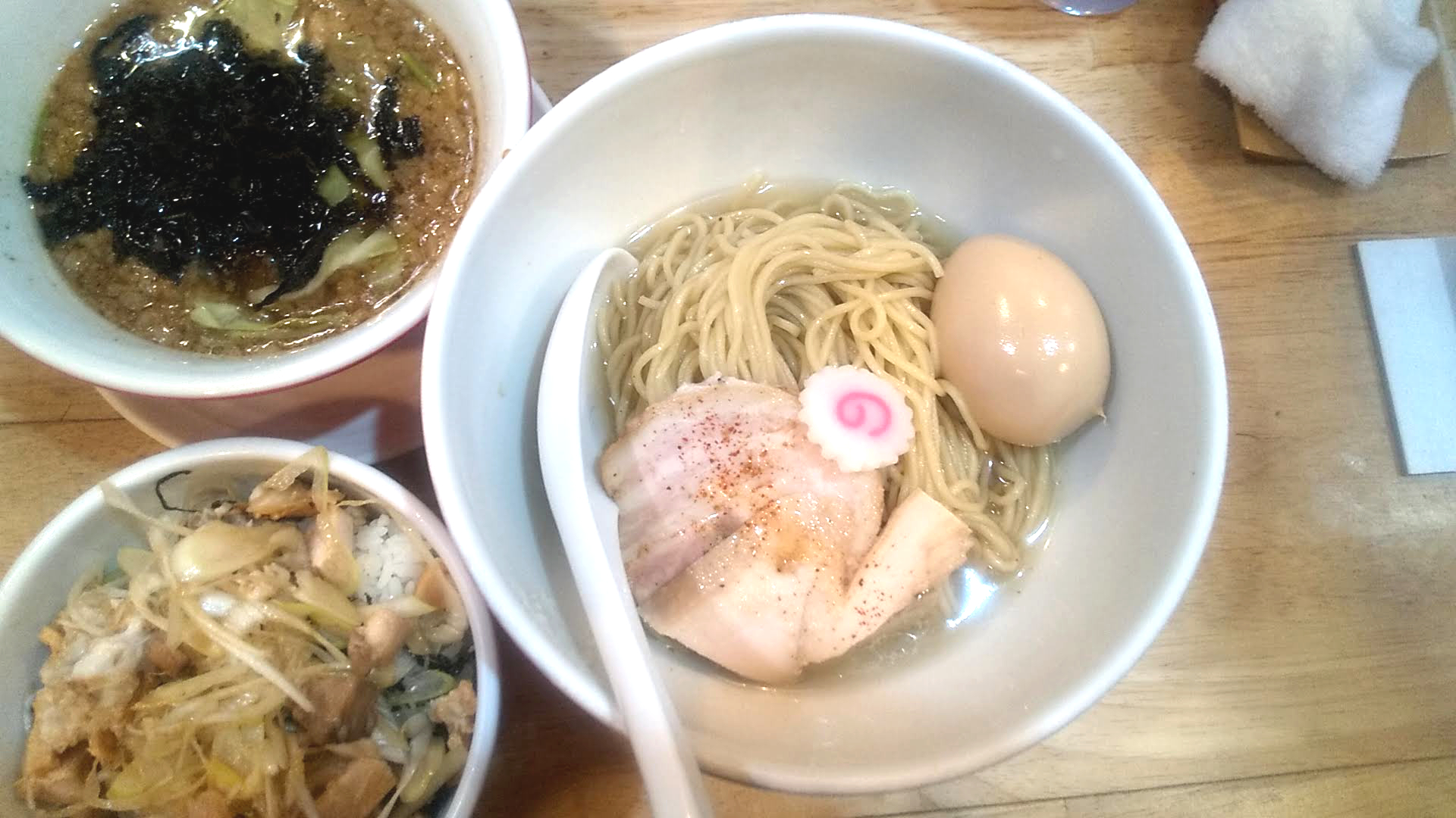 ムタヒロ1号店の煮干し特製つけ麺の麺皿の写真