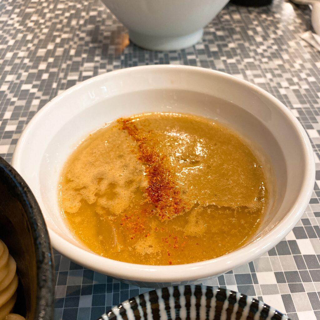 鮮魚らーめん五ノ神水産のスープ