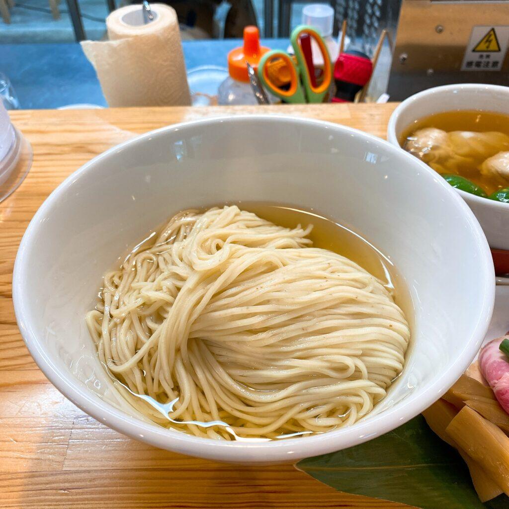 くろ松の麺