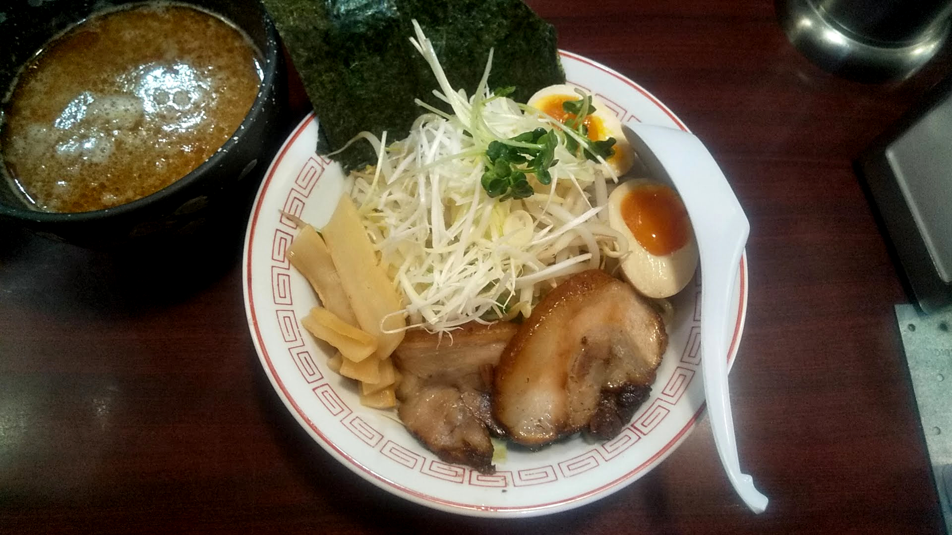 ぶぶかのつけ麺スペシャルの麺皿の写真