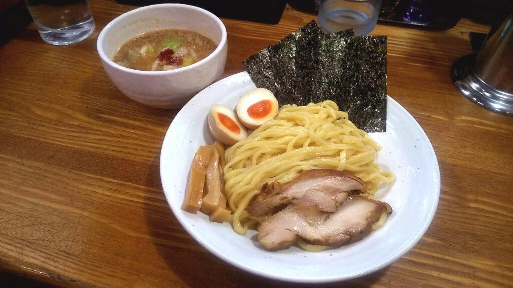 上海麺館の特製鶏つけ麺の写真