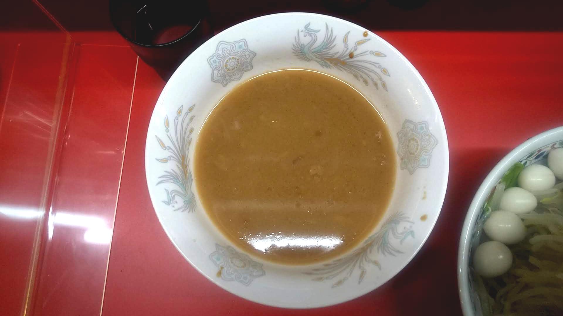 ハナイロモ麺のつけ麺小のつけ汁の写真