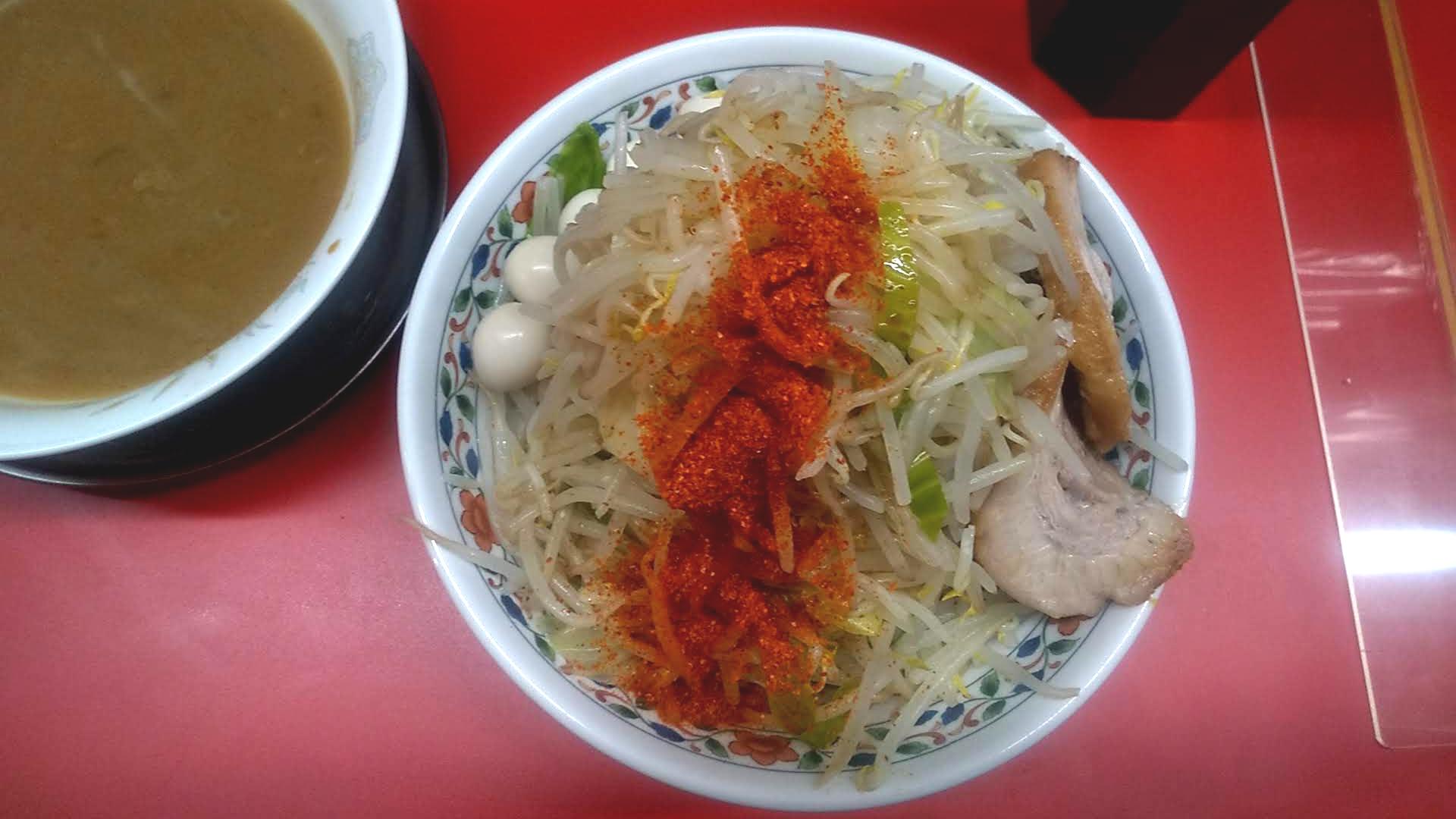 ハナイロモ麺のつけ麺小の麺皿の写真