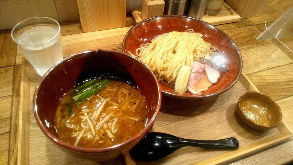 味噌らーめん柿田川ひばりの味噌の昆布水つけ麺の写真