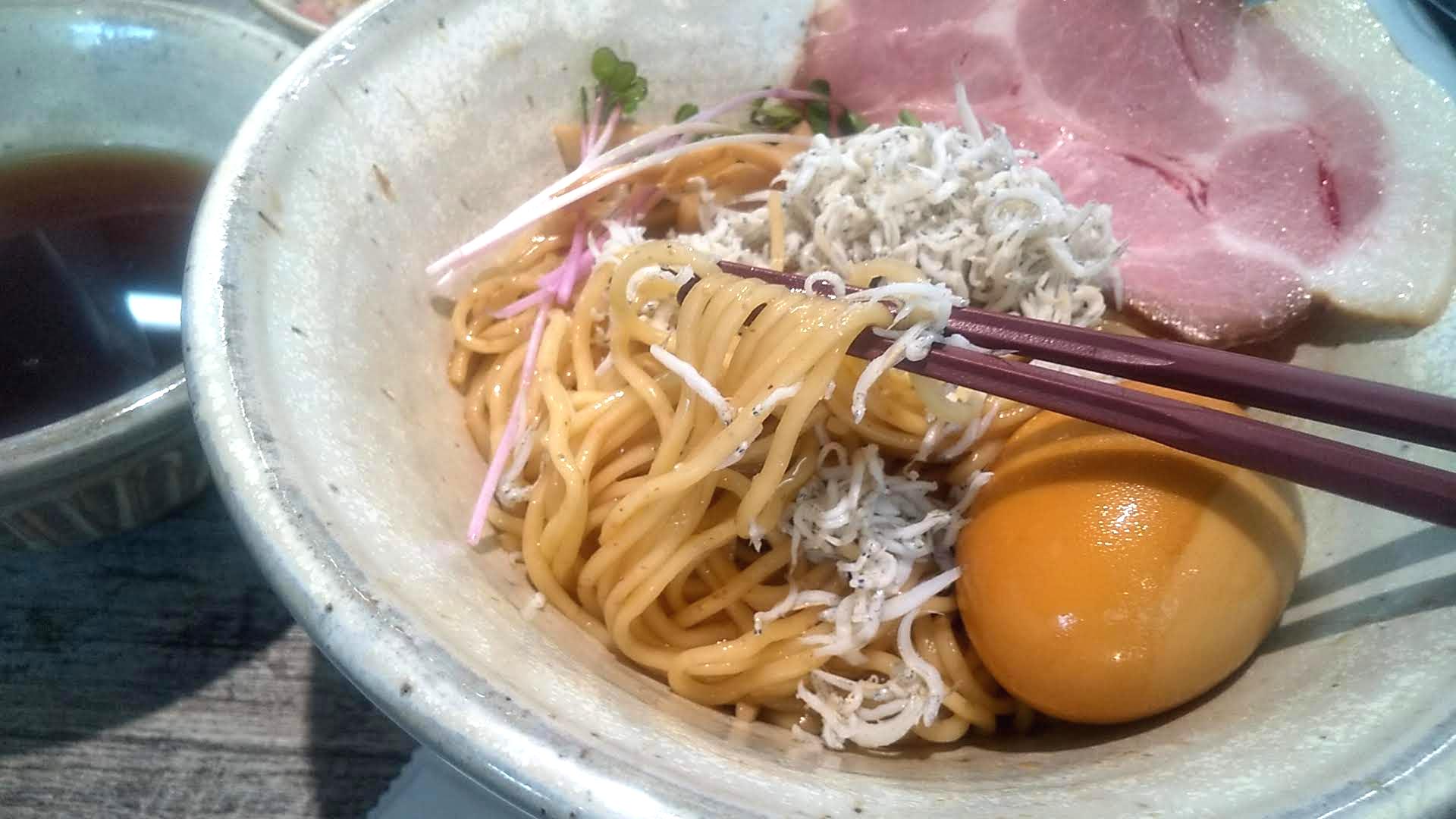 麺食堂くにをのつけ麺の麺リフト写真